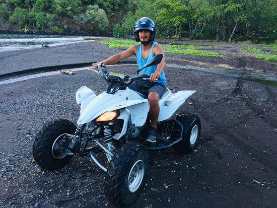 Маркизские острова, Французская Полинезия: Bord de mer en excursion quad à Hiva-Oa