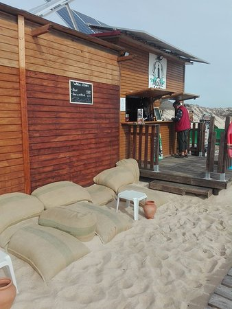 Ilha Do Farol, โปรตุเกส: Authentic Beach bar! We serve light meals and great wines and other beverages!