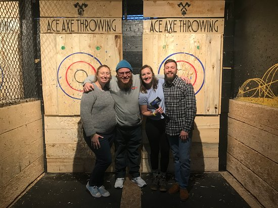 1 Hour - Axe Throwing Session in Pennsylvania: Couples night!