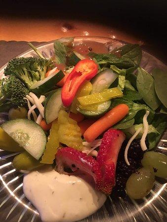 Caroga Lake, NY: Fresh salad bar.