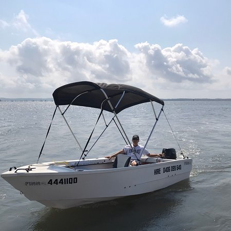 Редланд, Австралия: Hire boats on beautiful Moreton Bay