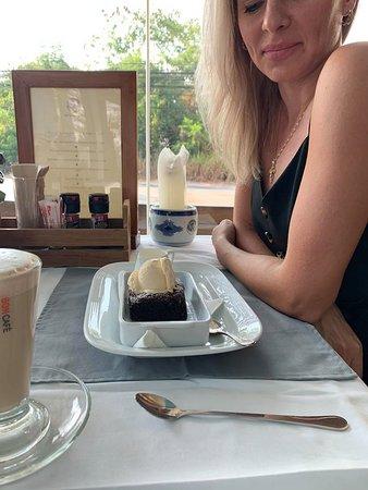 Chocolate Brownie w Ice Cream .....