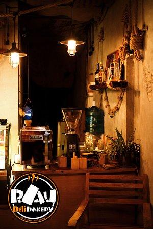 Ресторан пиццерия. Итальянская кухня, вьетнамская кухня, тайская кухня. Хороший кофе  кофемашина, эспрессо, капучино, латте.
