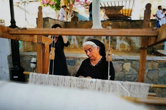 2-Day Luxury Tour: Authentic West & East Crete Escape with Local...