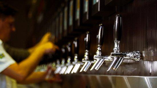 20 torneiras de cervejas Bodebrown e convidadas.