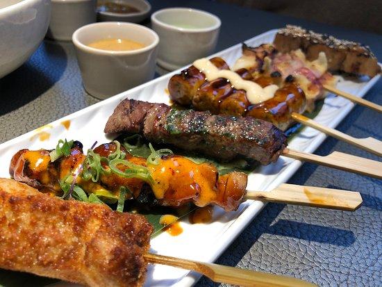菜品做的不错,先上的三文鱼吃的时候看见一小片鱼鳞和服务员说了马上换了一份新的
