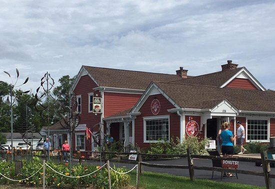Long Grove Confectionery now includes a beautiful coffee shop and the timeless Apple Haus kitchen.