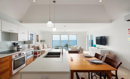 1 Bedroom Ocean View Suite Living Room And Kitchen Picture Of Azura Bermuda Warwick Parish Tripadvisor