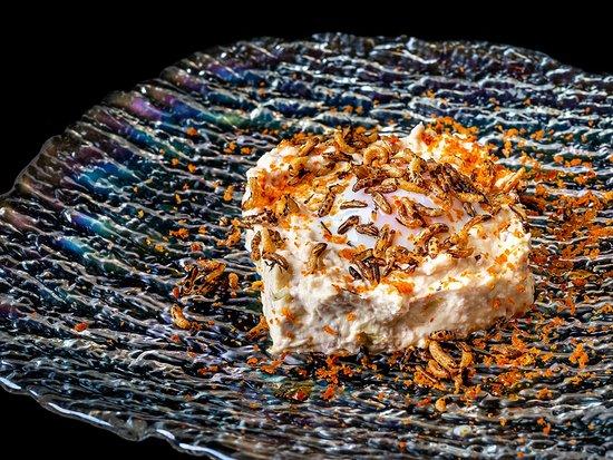 Ensaladilla 65 grados  Ensaladilla de puerro y bacón  Huevo a baja temperatura en el centro y arroz salvaje