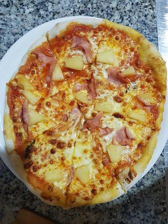 La nuestra pizza tropical