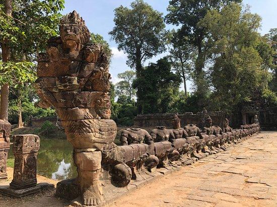 Preah Khan - naga