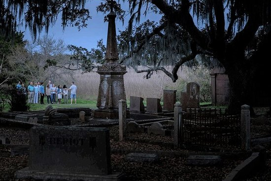 Ghost and Graveyard Tour a Charleston