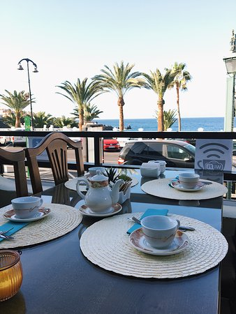 Desayunos y meriendas con vistas al mar