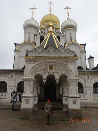 Богородице-Рождественский собор во всей красоте и величие.