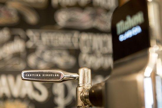Cerveza rica y bien tirada en Cantina Singular!!!!
