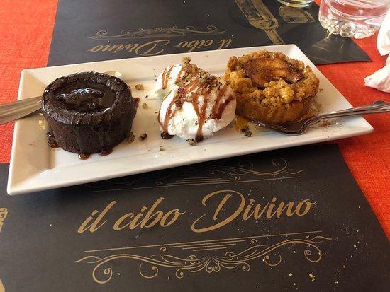 il cibo Divino: Επισκεφτήκαμε για πρώτη φορά αυτό το μαγαζάκι σήμερα και πραγματικά ήταν ένας θησαυρός...με μεγάλη μου έκπληξη απόλαυσα πιάτα παραδοσιακά και τόσο γευστικά ,πολύ φιλική εξυπηρετική η κοπέλα που έχει το μαγαζί η Μαντώ! Οι τιμές πολύ φυσιολογικές, και μας κέρασε γλυκά και υπέροχο λικέρ αρμπαρόριζα  που το φτιάχνουν στο μαγαζί.. θα ξανά πάω πολύ σύντομα ..
