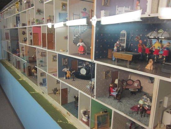 Skip the Queue: Northlandz Admission Ticket: doll museum