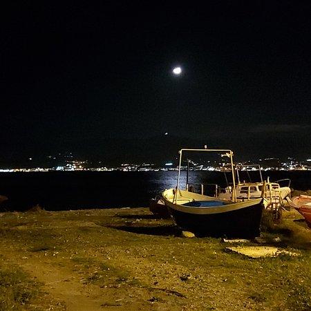 Dove la magia si fonde con la natura. Uno scorcio della costa di Gallico marina (R.C.)