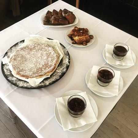 Sobremesa: pudim de castanhas, uva bêbada, bolo tarte de amêndoa, rabanadas