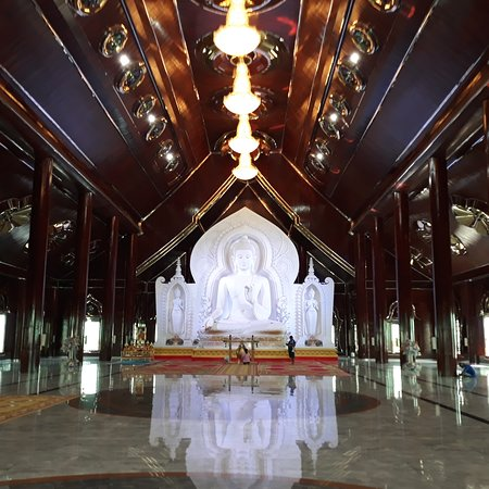 Nong Saeng, Thailand: Need a taxi to visit the temples and tourist attractions of Thailand, you can contact me anytime.