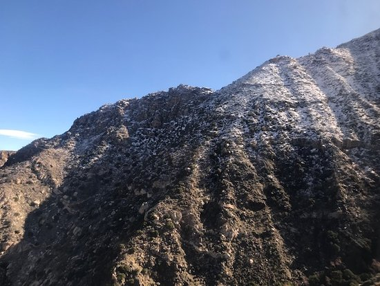 Palm Springs Aerial Tramway Admission Ticket: riding the tram
