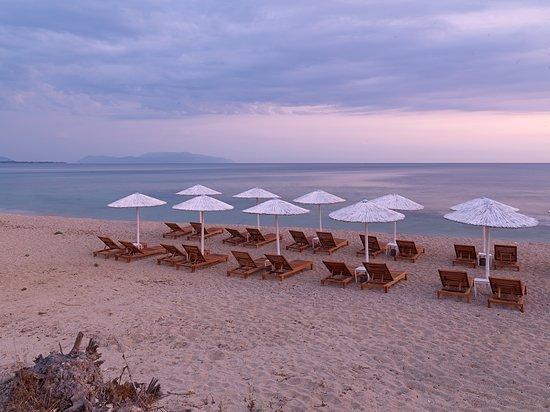 Kanali, Yunanistan: Beach