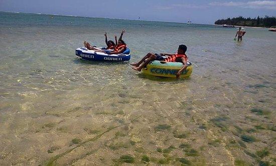 Ile Aux Cerfs: Water tube
