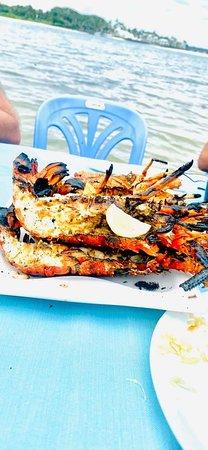 Ile Aux Cerfs: Sea food barbecue