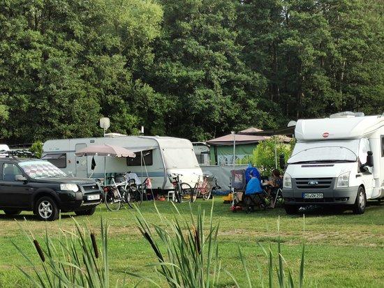 Ganz flaches Wasser, sehr warm - Foto ostseequelle.camp, Niendorf - Tripadvisor