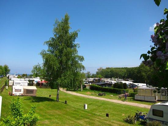 Ganz nah am Strand - Foto ostseequelle.camp, Niendorf - Tripadvisor
