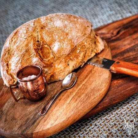Pan de pueblo con all i oli