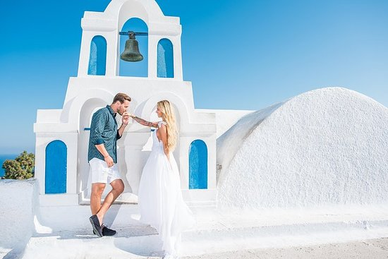 Vacation Photographer in Santorini Photo