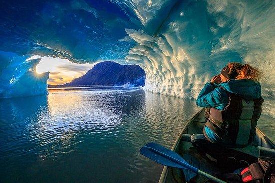 Valdez Glacier and Icebergs Canoe and Trek