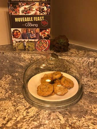 Ava, MO: Warm cookies were also waiting for us - thank you Debra!