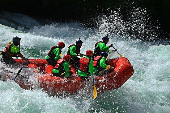 プエンテアプエンテのラフティング-フタレフ川