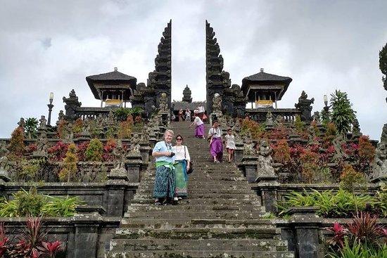 Visite du temple-mère et des cascades de Bali Besakih