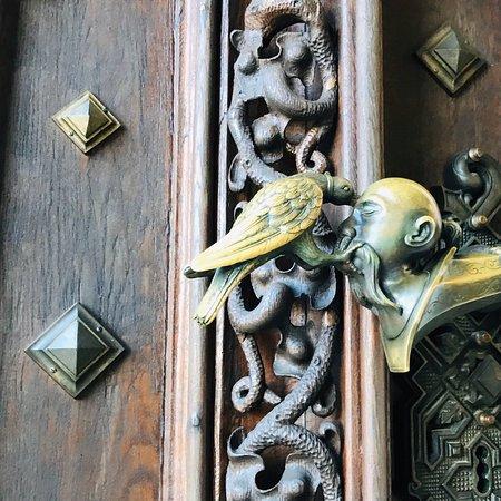 Замечательный охотничий замок в Чехии.  Все стены увешаны трофеями.