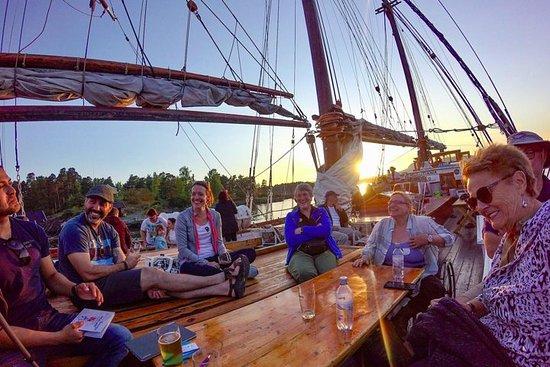 Fiorde de Oslo de barco com bufê e...