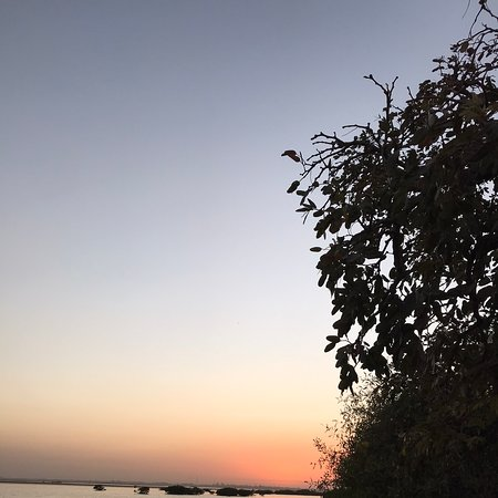 Simal, Сенегал: Un loc plin de culoare și calm.