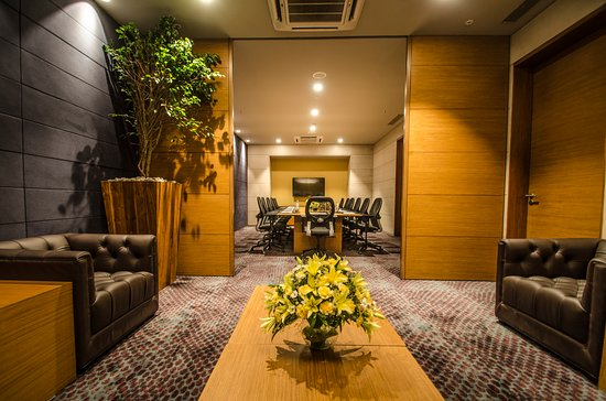 Nova Boardroom