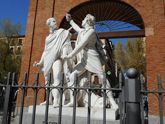 Monumento a Daoiz & Velarde