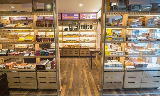 El Unico Cigar Lounge