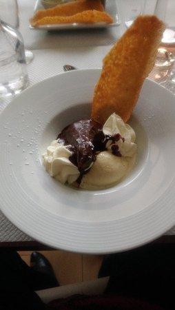 Cartelegue, Frankrijk: Poire au chocolat glace vanille avec son croustillant