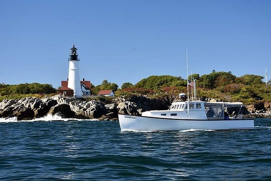 Private Lighthouse Sightseeing Charter på en Vintage Lobster Boat