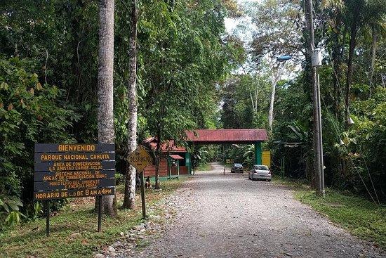 Parc national de Cahuita sur le port...