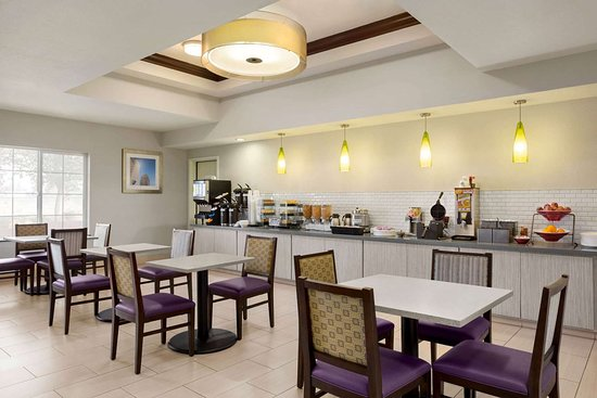 La Quinta Inn & Suites by Wyndham Fresno Northwest: Property amenity