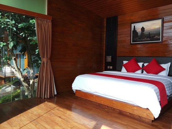 Borobudur, Indonesia: Dagi Abhinaya Cottage Room