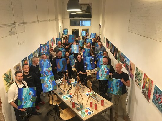 Arte Bar: Painting and Wine