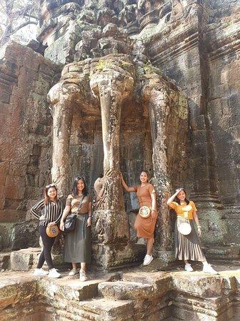 Angkor day tour