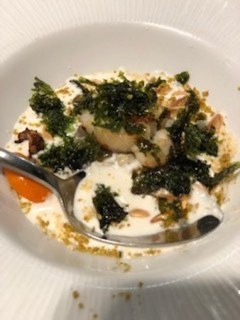San Sebastian Evening Pintxo Tour with Wine: Scallop with ajoblanco sauce. Do not be fooled - no cream in this dish!